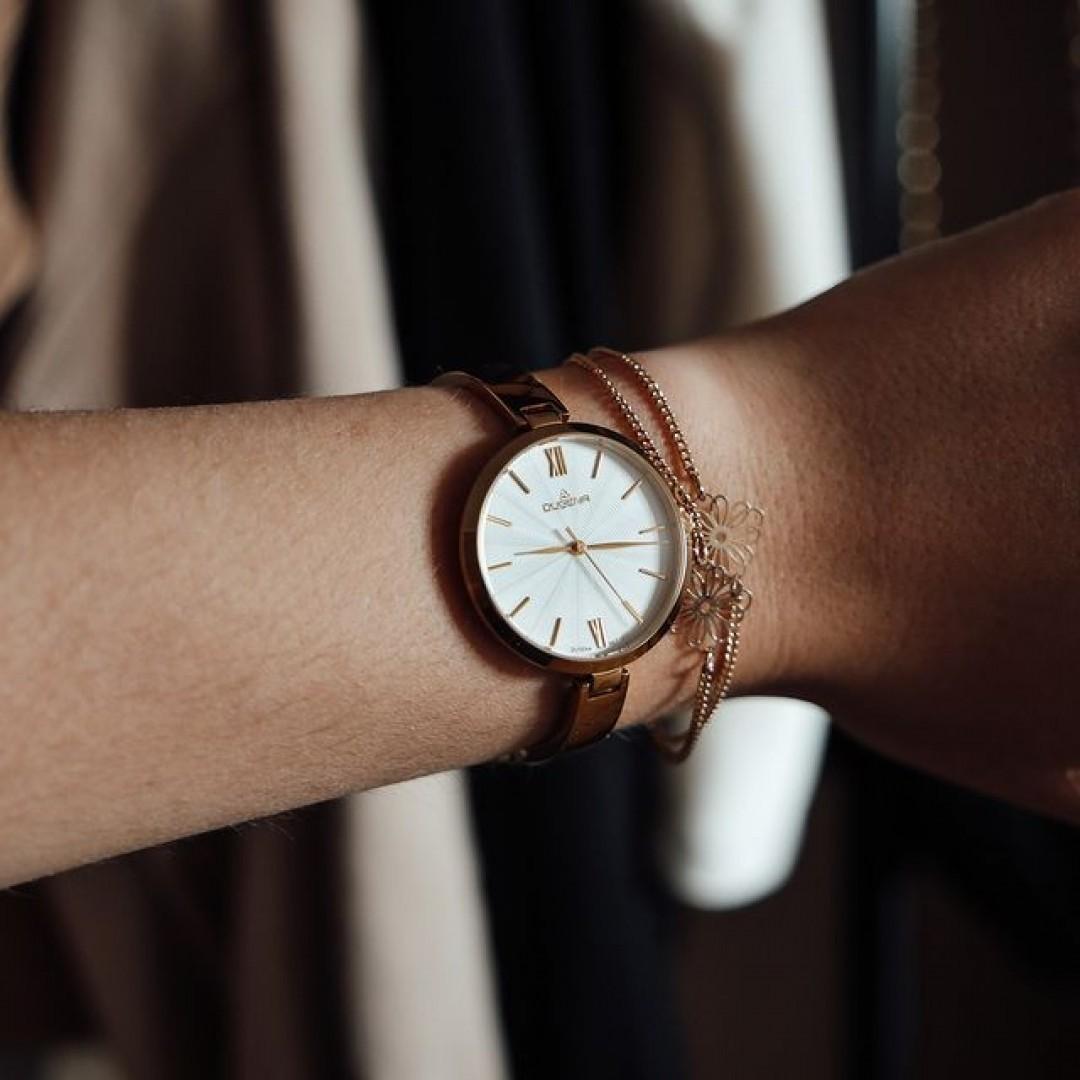 Inez gut, alles gut! Diese schöne Uhr bietet zahlreiche Kombinationsmöglichkeiten. Ein schlichtes Armband oder schöne Goldringe und eure Accessoires zu euren Looks sind komplett. #goldenwatch #ootd #wotd #inez #dugena #dugenawatches #goldwatch #jewelry #outfitinspiration #accessoires #watch #style #watchesofinstagram #dailywatch #instawatch #beautiful #luxury