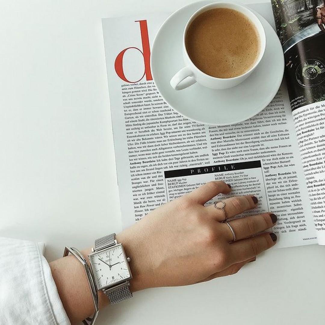 Eine Uhr muss nicht immer rund sein ⚫️ Das beweist unsere Dessau Carree #dugena #dugenawatch #100JahreDugena #DugenaUhr
