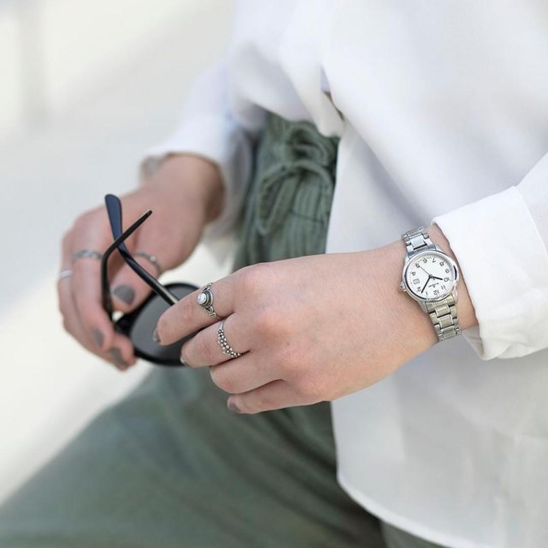 It's time to… egal, was du für heute geplant hast, jede Sekunde, jede Minute, jede Stunde zählt. Weil deine Zeit wichtig ist. ⌚️  Deine Uhr findest du auf unserer Website (Link in der Bio).  #dugena #mydugena #dugenatime #meintagmeinleben #dugenawatch #dugenawatches