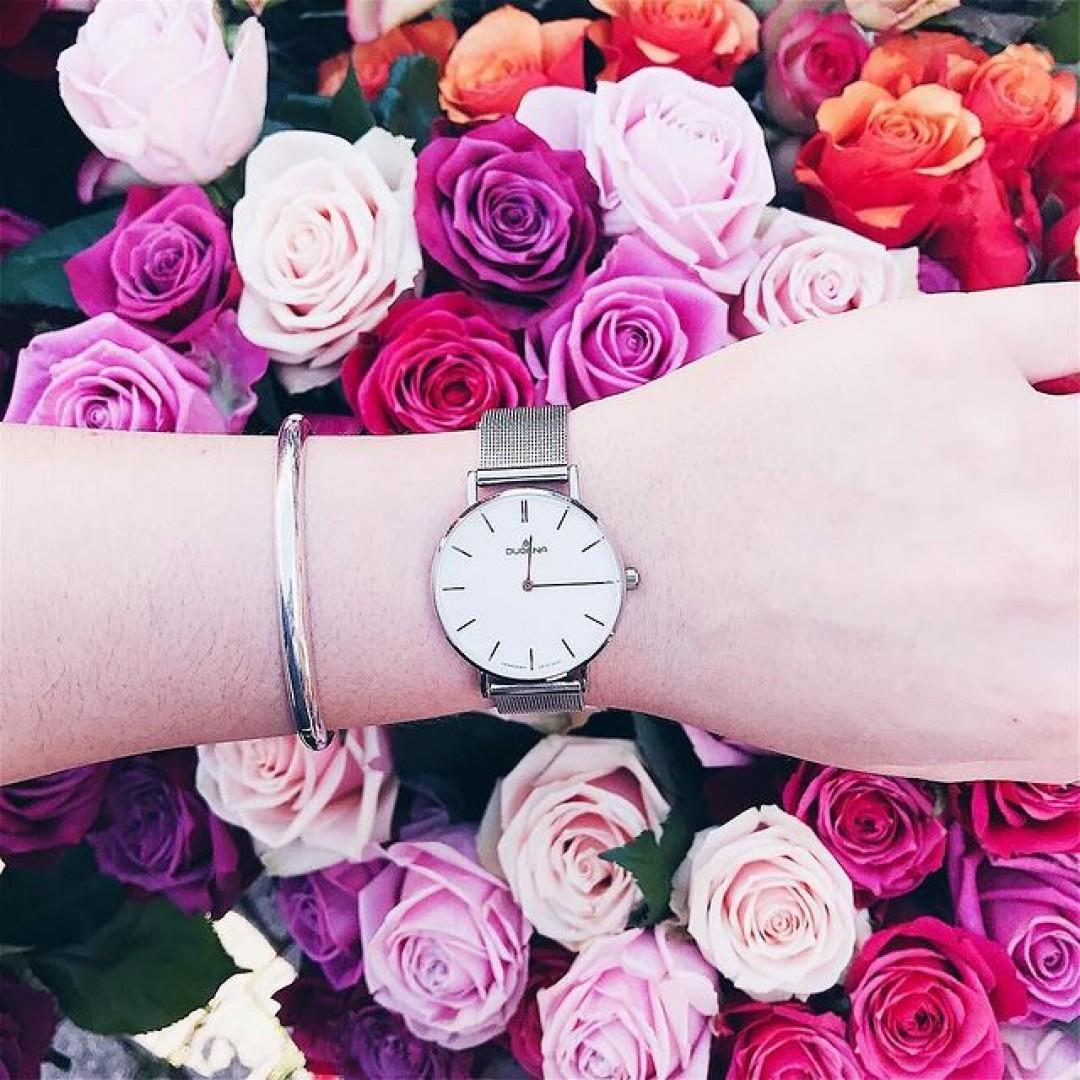 Rosen und eine Dugena Linée sind das schönste Geschenk für eine Frau.