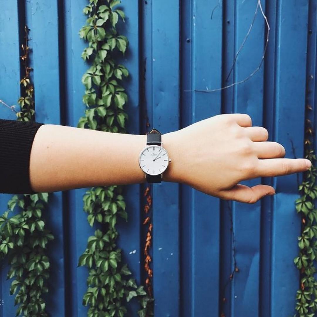 Aussagekräftig und elegant - die Linée!  #dugena #dugenawatch #100JahreDugena #DugenaUhr #watchlove #timepiece #instawatch #uhren #watchoftheday #germanwatch #watchlover #wotd #potd #100years #watchstyle #watchtrend #watchgram #DugenaLinee