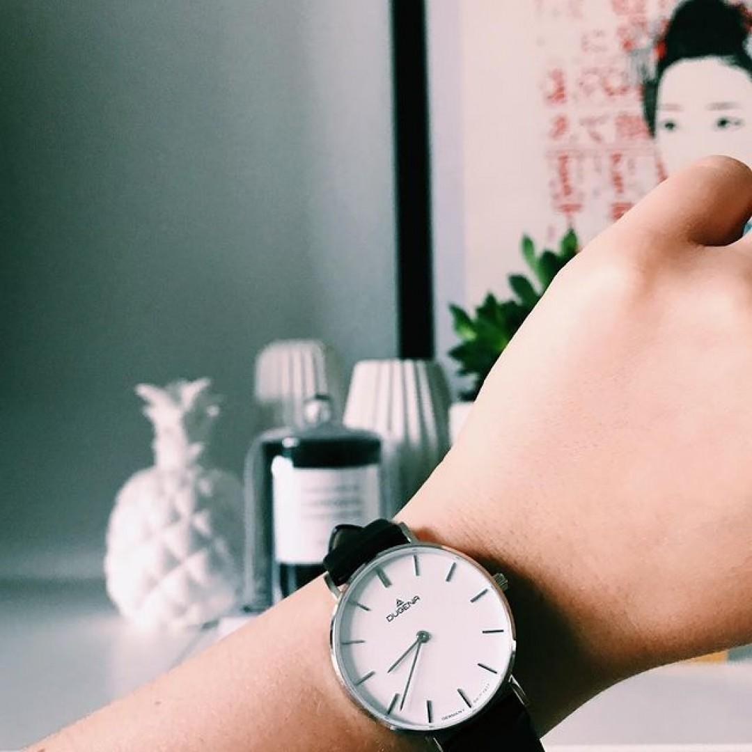 Carpe diem! 😌 #dugena #dugenawatch #100JahreDugena #DugenaUhr #watchlove #timepiece #instawatch #uhren #watchoftheday #germanwatch  #watchlover #wotd #potd  #100years #urbanchic #watchstyle #watchtrend  #watchgram