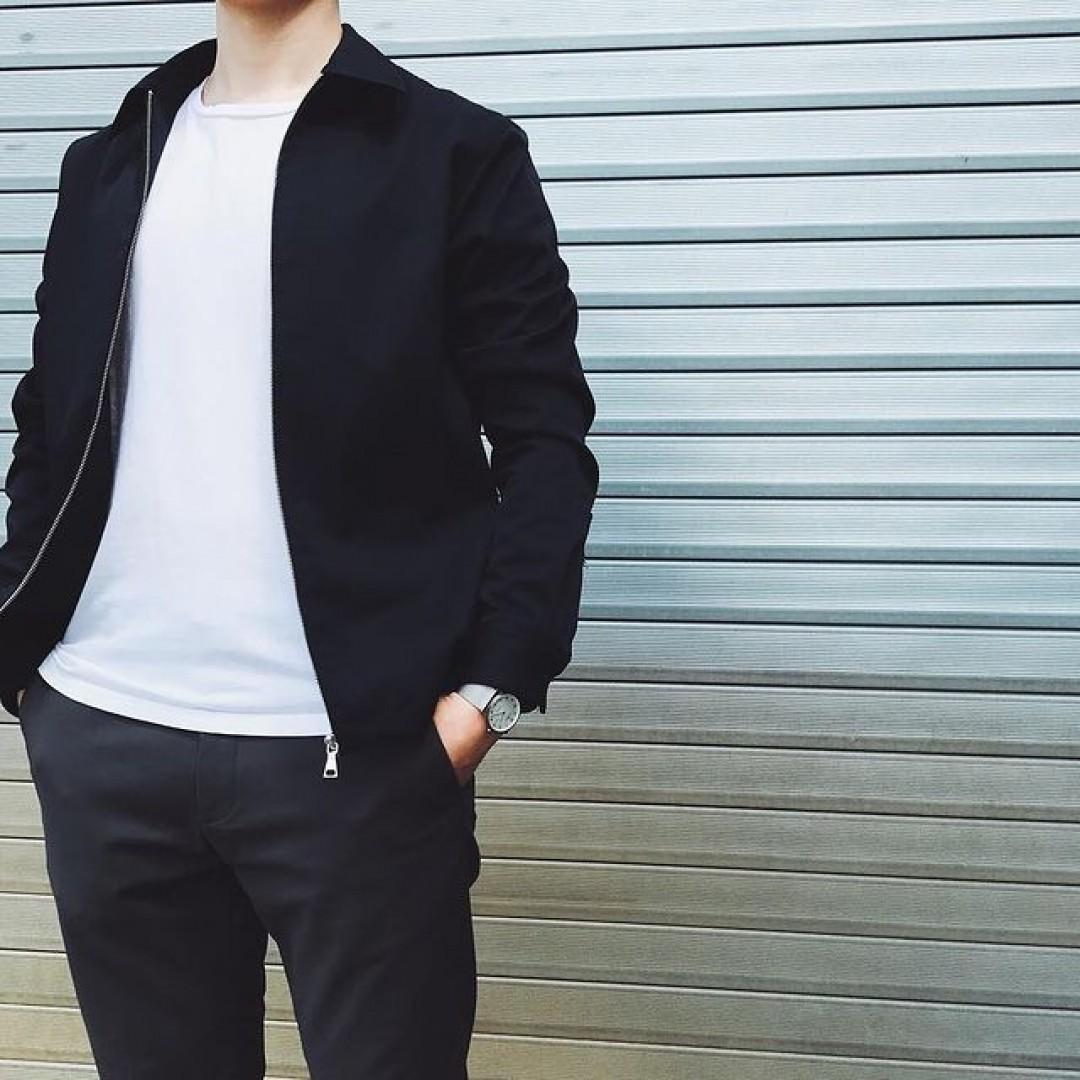 Mit der Modena XL Titan legst Du garantiert einen stylischen Auftritt hin.  #dugena #dugenawatch #100JahreDugena #DugenaUhr #watchlove #timepiece #instawatch #uhren #watchoftheday #germanwatch  #watchlover #wotd #potd  #100years #urbanchic #watchstyle #watchtrend  #watchgram #DugenaModenaXL