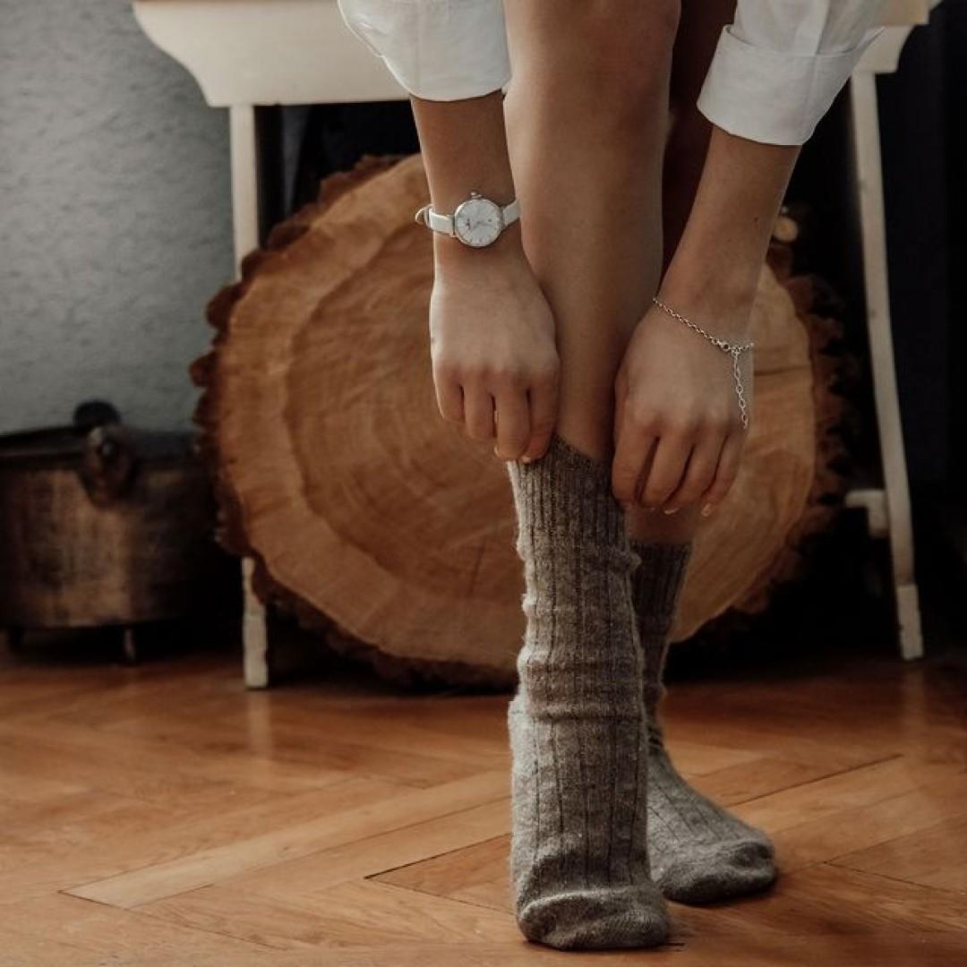Jetzt ist zuhause bleiben angesagt! Doch selbst zuhause darf eine Dugena Uhr nicht fehlen. Angenehm zu tragen und mit klassischem Look ist unsere Festa Petit Gala perfekt für jeden Tag.  #dugena #dugenawatches #dugenalovers #uhren #winter #uhr #klassisch #weihnachten #christmas #stayathome #classy #chic #home #watchlover #damenuhren #femine #winterlooks #cold #cozy #festapetitgala