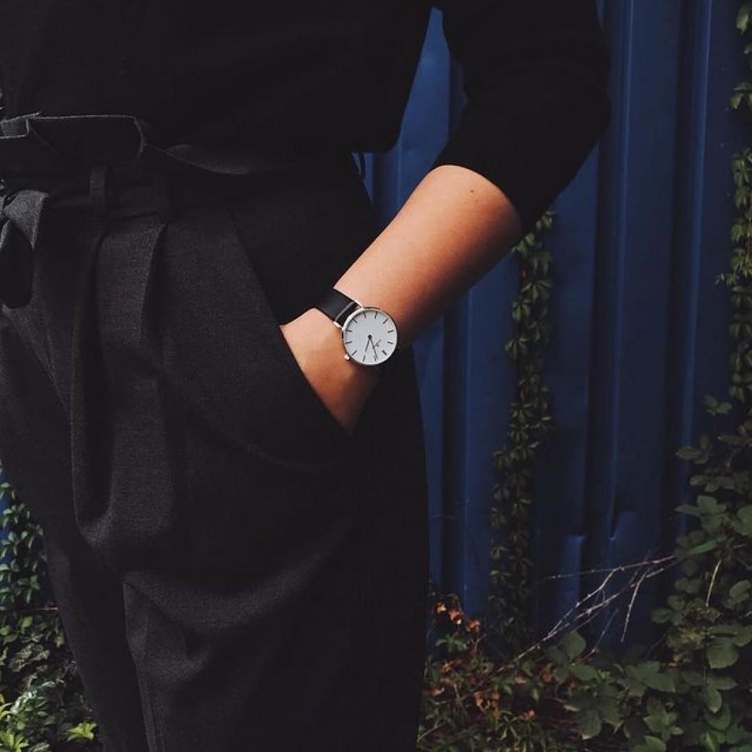 Lässig und minimalistisch zugleich - die Linée!  #dugena #dugenawatch #100JahreDugena #DugenaUhr #watchlove #timepiece #instawatch #uhren #watchoftheday #germanwatch  #watchlover #wotd #potd  #100years #watchstyle #watchtrend  #watchgram #DugenaLinee