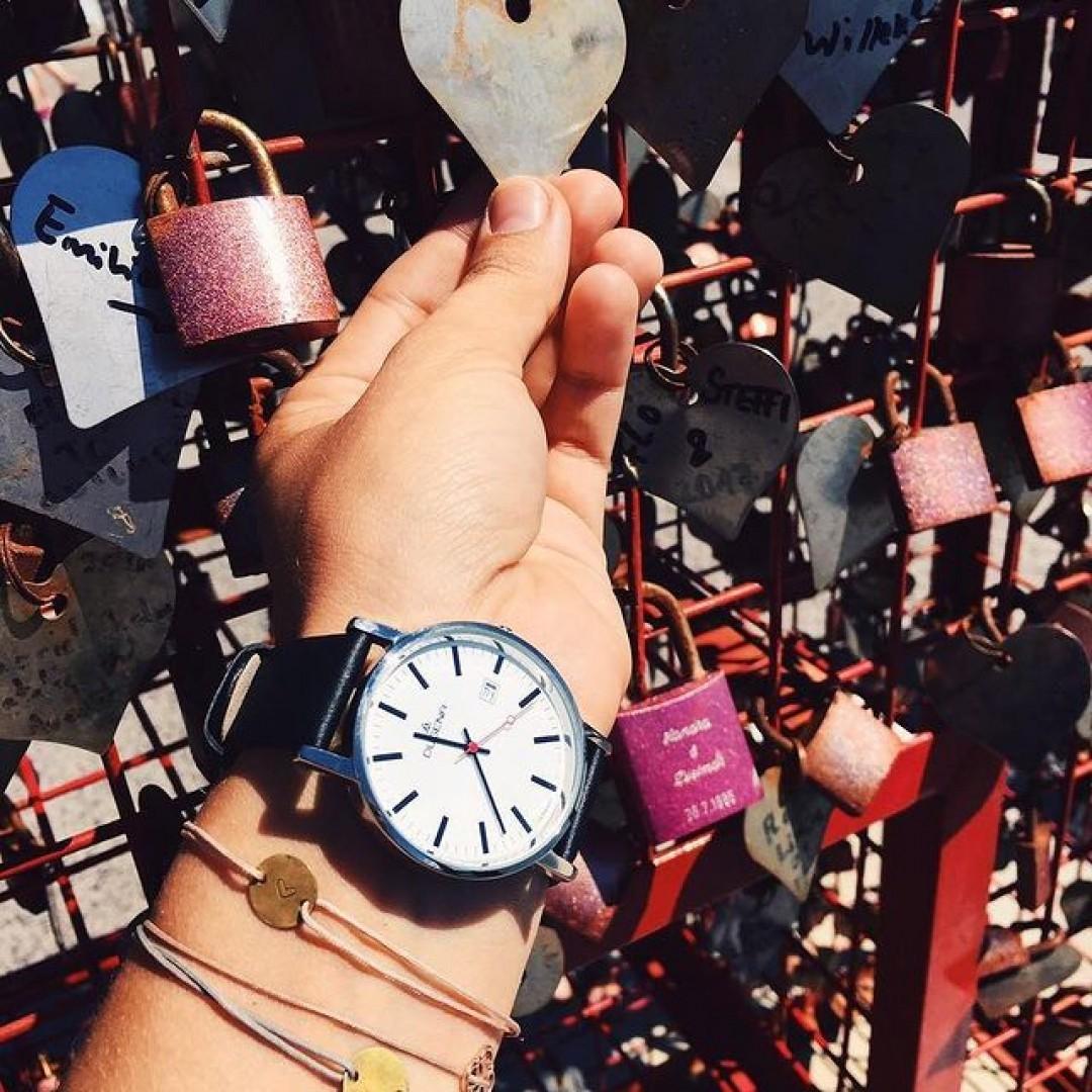 Love is the key ❤  #dugena #dugenawatch #100JahreDugena #DugenaUhr #watchlove #timepiece #instawatch #uhren #watches #watchoftheday #germanwatch #watchlover #wotd #potd #100years #dugenamoma #watchstyle #watchtrend #watchgram #instalove