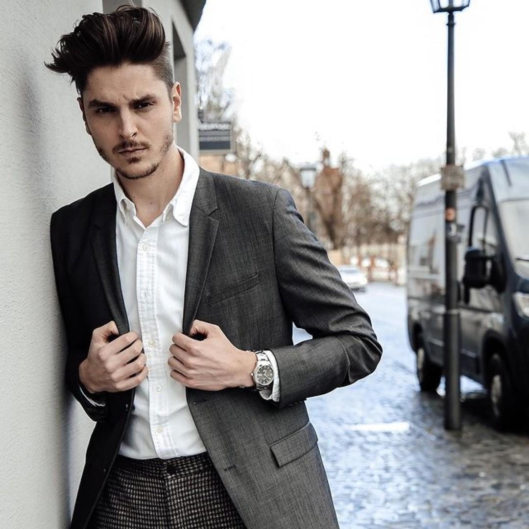 Ein eleganter Anzug, ein klassisches Muster und unsere Tresor Master Automatik! Eine Outfit-Kombination, mit der ihr garantiert alle Leute umhaut! Eure Büro-Looks haben noch nie so elegant gewirkt. #tresormaster #automatik #dugena #dugenawatches #outfit #ootd #nature #silver #watch #wotd #uhr #armbanduhr #almostspring #grey #caro #business #classic #menstyle #metallic #casual #men #streetstyle #suit #ralphlauren #calvinklein #hairgoals