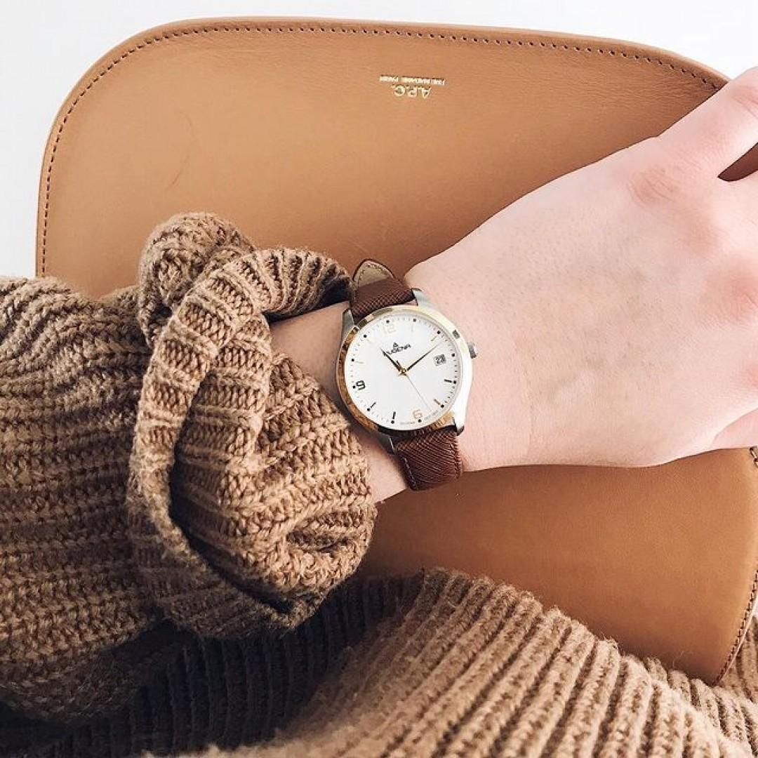 Tone in tone – we love our Tresor Woman! 🧡  #watchlove #timepiece #instawatch #uhren #watchoftheday #germanwatch #watchlover #wotd #potd #watchstyle #watchtrend #tresorwoman