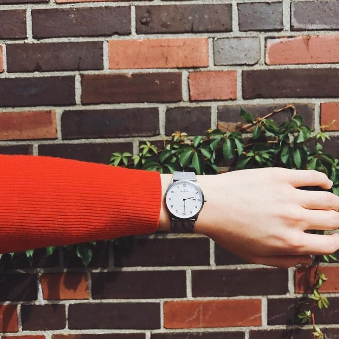 Enjoy the moment!  #dugena #dugenawatch #100JahreDugena #DugenaUhr #watchlove #timepiece #instawatch #uhren #watchoftheday #germanwatch  #watchlover #wotd #potd  #100years #urbanchic #watchstyle #watchtrend  #watchgram #citylife #dugenamodenaxl #titan