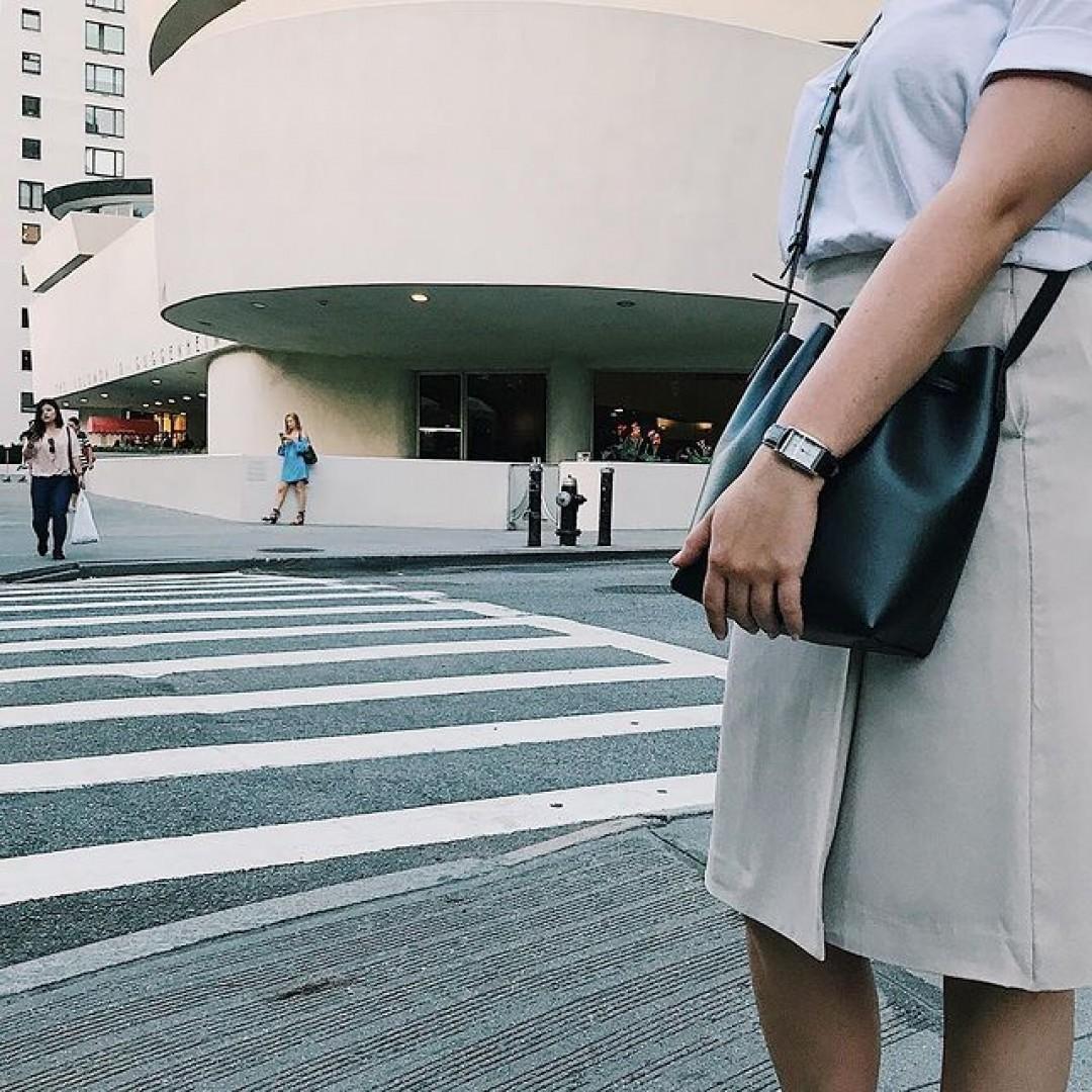 Ein Muss in NY: das Guggenheim Museum #dugena #dugenawatch #100JahreDugena #DugenaUhr #watchlove #timepiece #instawatch #uhren #watchoftheday #germanwatch  #watchlover #wotd #potd  #100years #urbanchic #watchstyle #watchtrend  #watchgram #citylife #ny #newyork #guggenheim #guggenheimmuseum #newyorkcity #centralpark