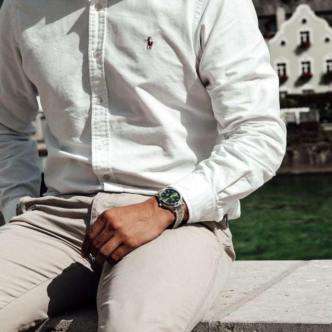 Die Tresor Master - auch mit grünem Ziffernblatt erhältlich. Passt nicht nur zu jedem, sondern kann vor allem auch klassisch und schick kombiniert werden.  #dugena #dugenawatches #tresormaster #grün #utility #style #outfitoftheday #ootd #uhr #herren #herrenstyle #outfit #suit#wotd