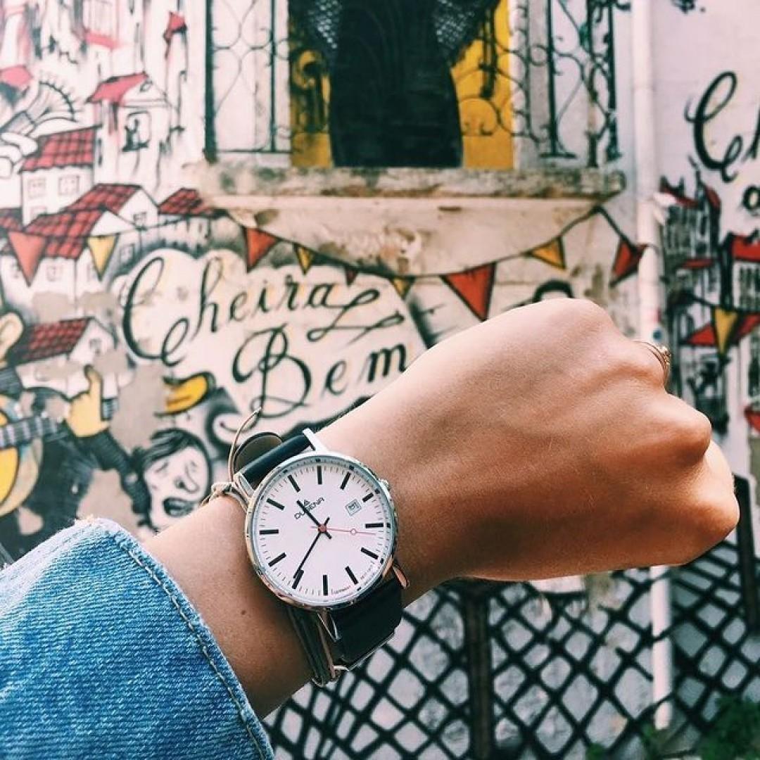 Coole Streetart entdeckte unsere Moma neulich in Portugal 🙌🏻 #dugena #dugenawatch #100JahreDugena #DugenaUhr #watchlove #timepiece #instawatch #uhren #watchoftheday #germanwatch  #watchlover #wotd #potd  #100years #urbanchic #watchstyle #watchtrend  #watchgram #dugenaontour