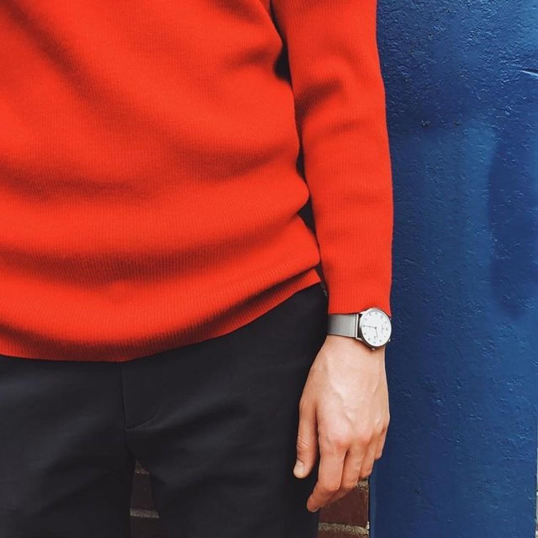 Rot - eine kräftige Herbstfarbe, passend dazu unsere edle Modena XL Titan.  #dugena #dugenawatch #100JahreDugena #DugenaUhr #watchlove #timepiece #instawatch #uhren #watchoftheday #germanwatch  #watchlover #wotd #potd  #100years #watchstyle #watchtrend  #watchgram #dugenamodenaxl #titan